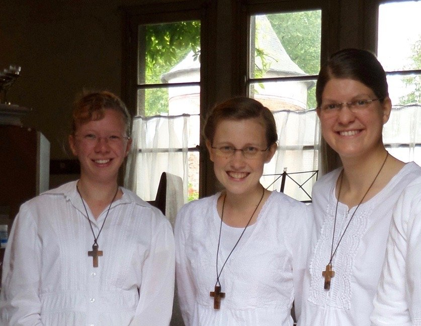 Noviziat Schwestern, drei junge Schwestern