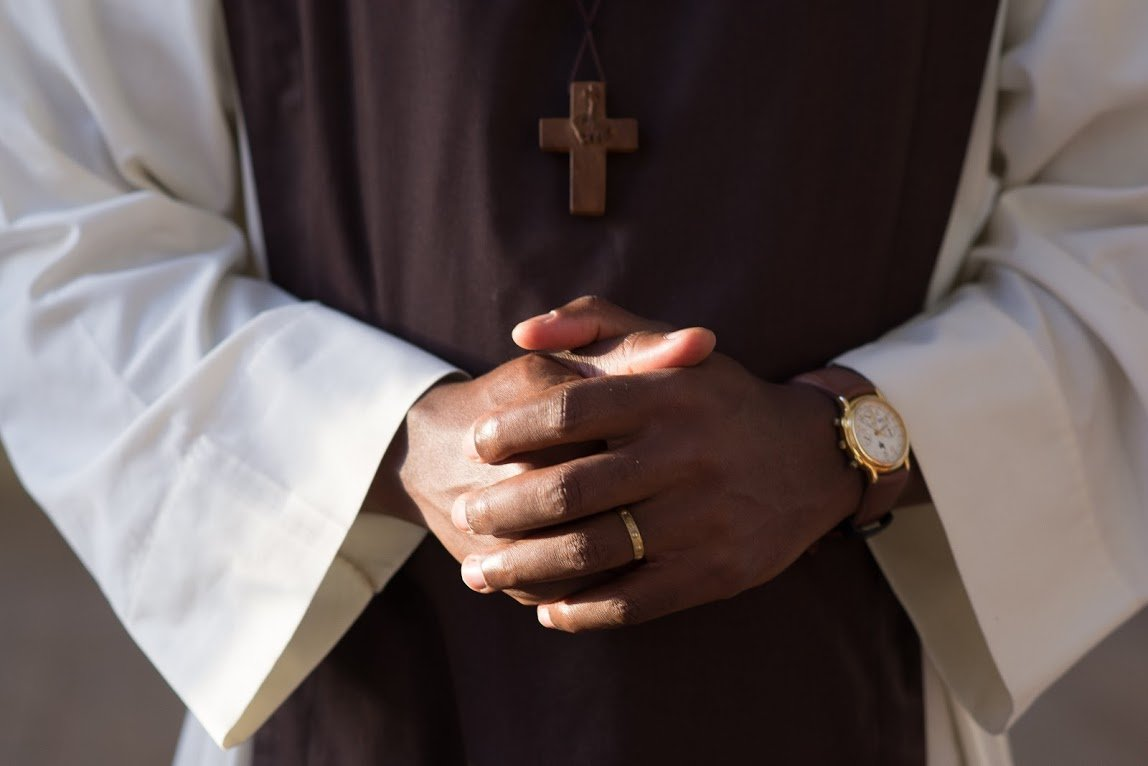 Etappen ewige Profess Priester
